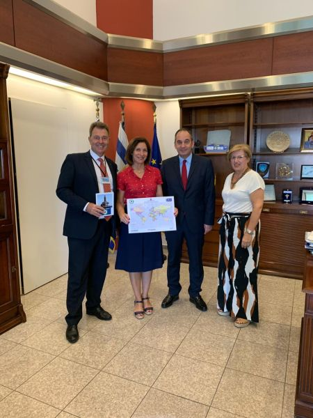 Nikos Marmatsouris (GAC, Project Connect Member), Irene Notias, Minis¬ter of Shipping Ioannis Plakiotakis and Efi Kotika